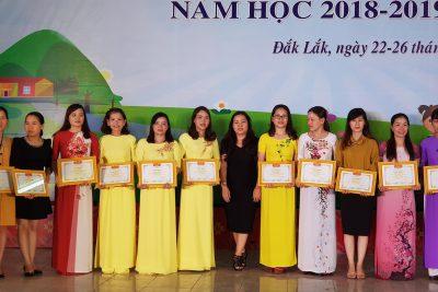 """Nhân viên thư viện cấp tiểu học thị xã Buôn Hồ tham gia Hội thi """"Nhân viên thư viện giỏi cấp tiểu học tỉnh Đăk Lăk"""""""