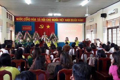 Phòng Giáo dục và Đào tạo thị xã Buôn Hồ tổ chức tọa đàm nhân kỷ niệm 35 năm ngày Nhà giáo Việt Nam (20/11/1982-20/11/2017)